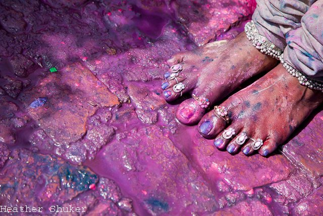 painted decorate feet holi